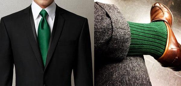 cravate et chaussette de même couleur
