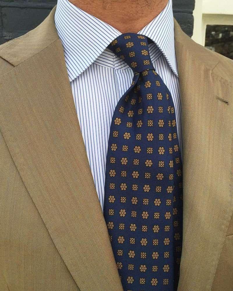 cb96ee132eb7d Les noeuds de cravate : les bonnes associations