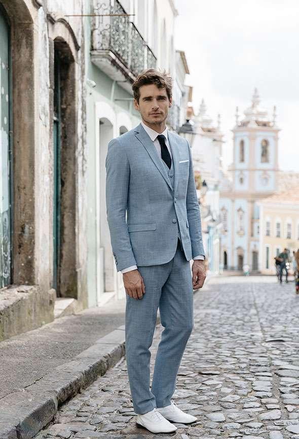 Costume 3 pièces mariage Anais Faubourg Saint Sulpice étoffe laine tramé bleu ciel sur mesure tailleur paris homme