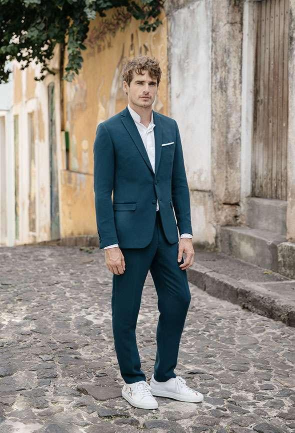 Costume 3 pièces mariage Louise Faubourg Saint Sulpice étoffe crêpe bleu vert sur mesure tailleur paris homme