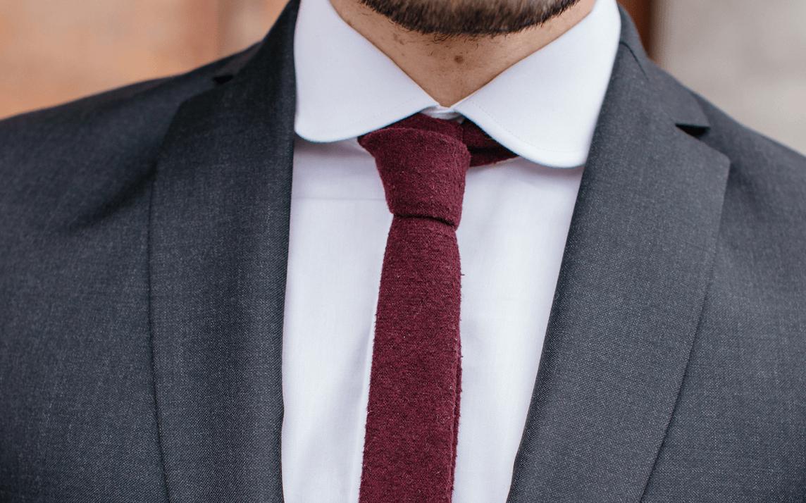 cravatte en flanelle de laine bordeaux