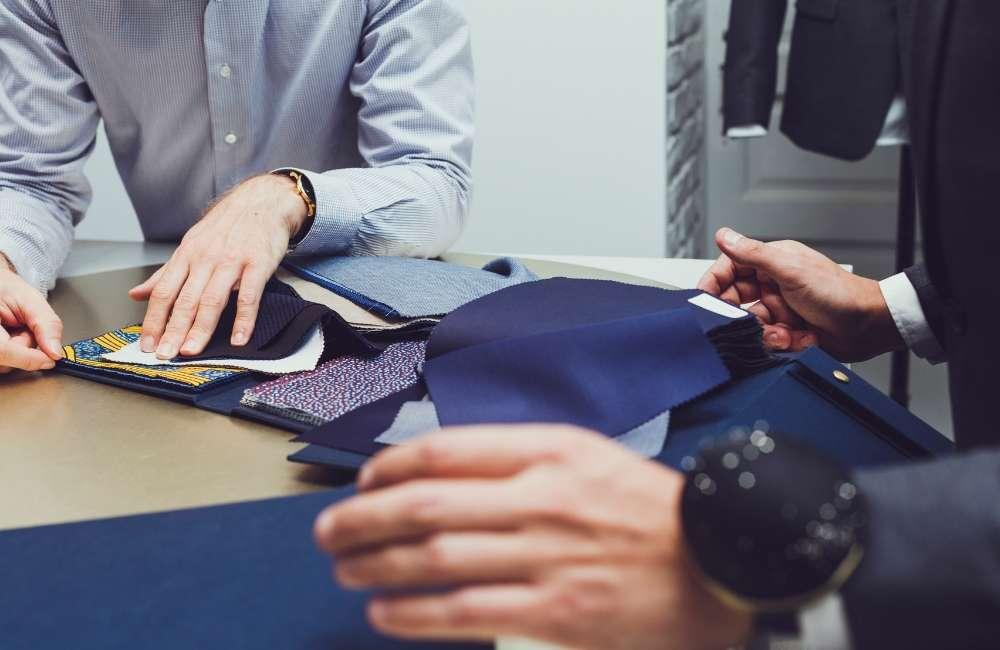 choix tissus costume sur mesure Paris costume sur mesure