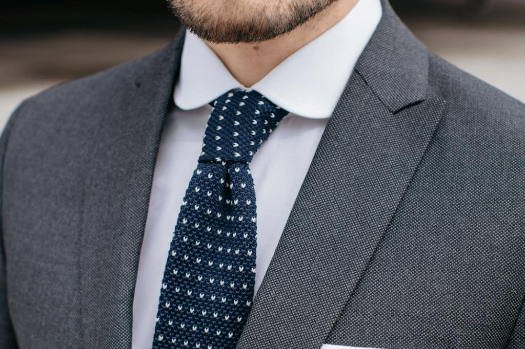 cravate motifs -min